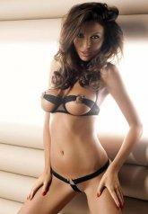 Seksi Göğüs Ucu Açık Sütyen ve Külot Takım