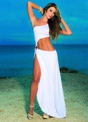 Metal Aksesuarlı Uzun Beyaz Elbise