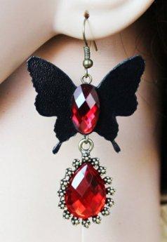 Kırmızı Taşlı Kelebek Figürlü Küpe