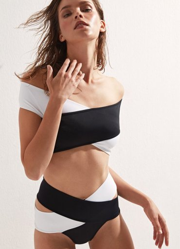 Siyah Beyaz Çapraz Bikini Üst - 0545 356 96 07
