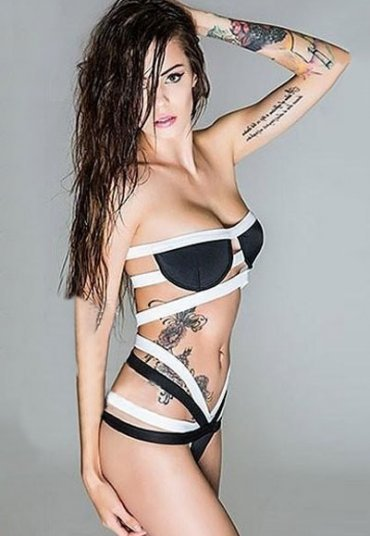 Askılı Siyah Beyaz Bikini