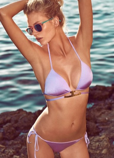 Önü Metal Aksesuarlı Bikini