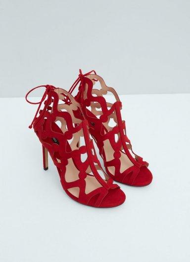 Delik Tasarımlı Sandalet